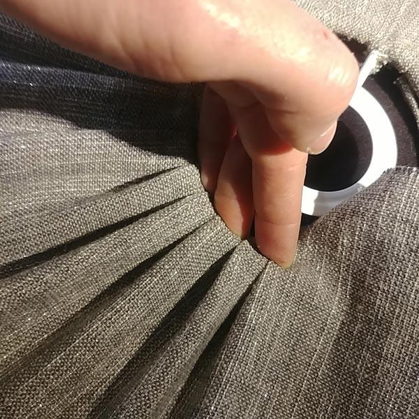 Lin plissé le travail de la main